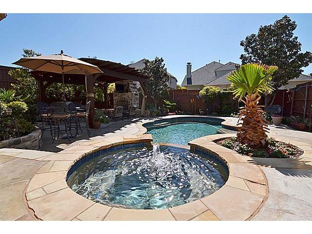 Dream Pool Homes in Plano